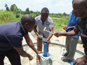 The Water Project : 27-kenya4537-pump-installation