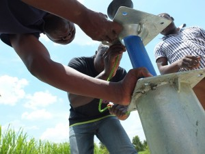 The Water Project : 28-kenya4537-pump-installation