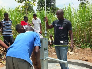 The Water Project : 29-kenya4537-pump-installation