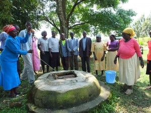 The Water Project : 3-kenya4542-unprotected-well
