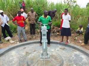 The Water Project : 32-kenya4537-pump-installation