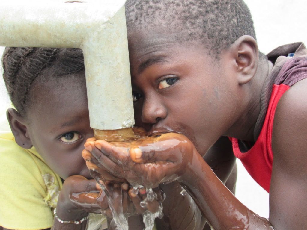 The Water Project : 35-sierraleone5100-handing-over