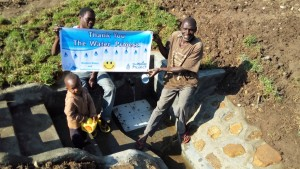 The Water Project : 6-kenya4574-protected-spring