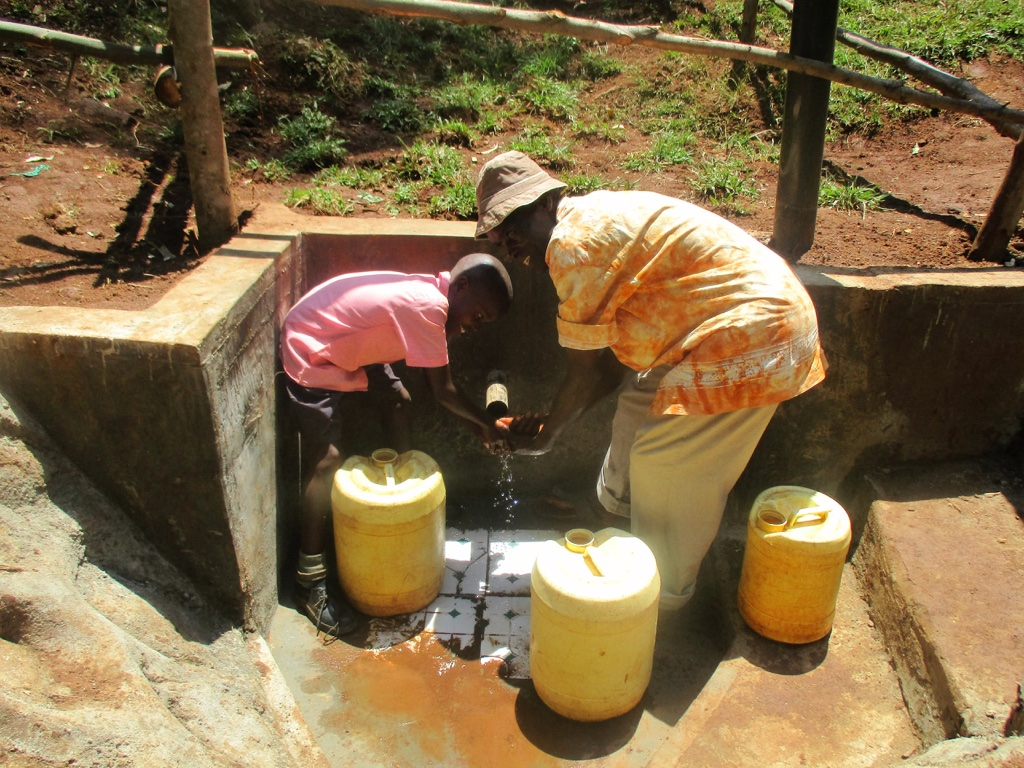 The Water Project : 10-kenya4580-protected-spring
