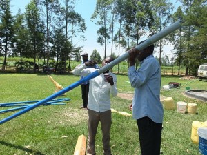 The Water Project : 24-kenya4541-pump-installation