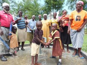 The Water Project : 35-kenya4541-handing-over