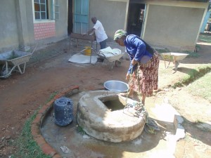 The Water Project : 8-kenya4624-hand-dug-well