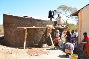 The Water Project : 12-kenya4504-construction
