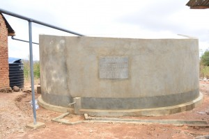 The Water Project : 19-kenya4504-finished-tank