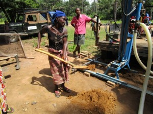 The Water Project : 19-sierraleone5093-breaking-ground