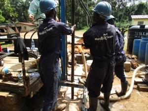 The Water Project : 26-sierraleone5094-drilling