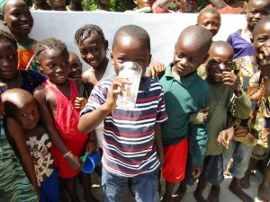 The Water Project : 41-sierraleone5093-dedication