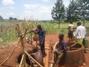 The Water Project : 5-uganda6069-excavation
