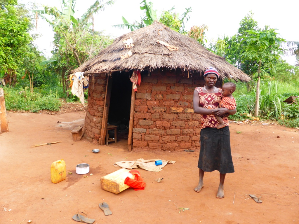 The Water Project : 7-uganda6073-household