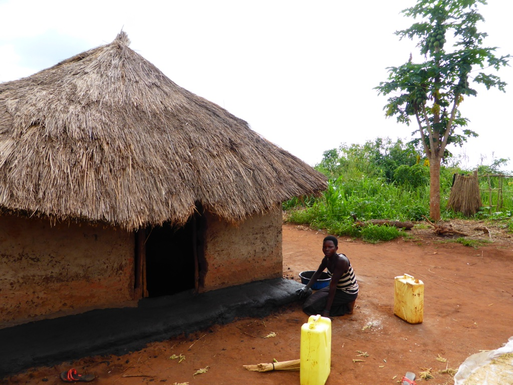 The Water Project : 8-uganda6077-household