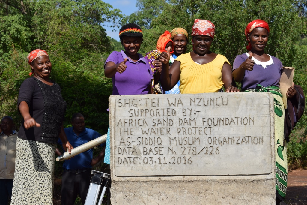 The Water Project : 9-kenya4496-finished-well