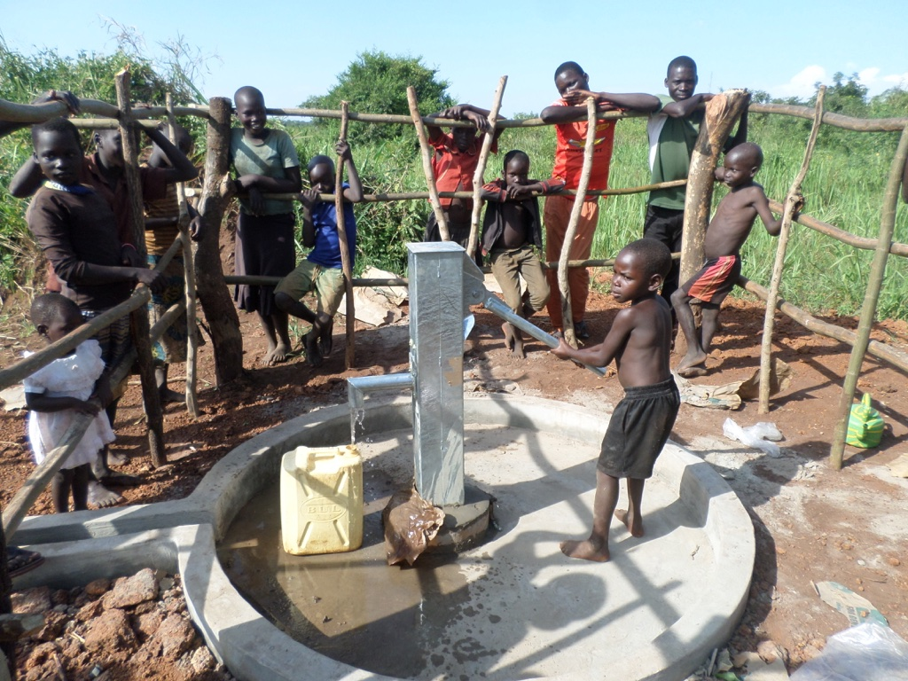 The Water Project : 9-uganda6067-water-flowing
