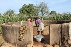 The Water Project : 1-burkinafaso9082-old-well