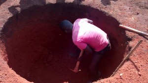 The Water Project : 1-uganda6075-excavation