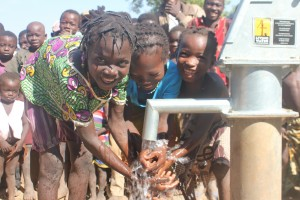 The Water Project : 10-burkinafaso9090-repaired-borehole