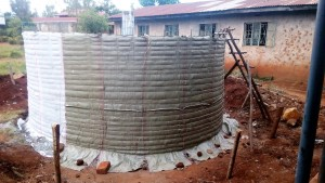 The Water Project : 10-kenya4626-tank-construction