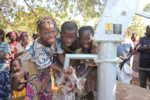 The Water Project : 11-burkinafaso9091-repaired-borehole