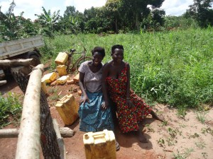 The Water Project : 12-uganda6072-construction