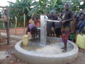 The Water Project : 19-uganda6070-water-flowing