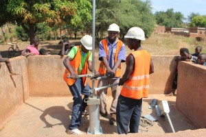 The Water Project : 2-burkinafaso9094-repairs