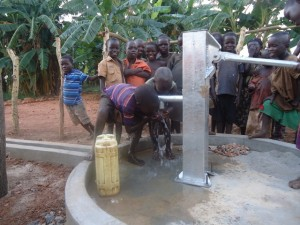 The Water Project : 20-uganda6070-water-flowing