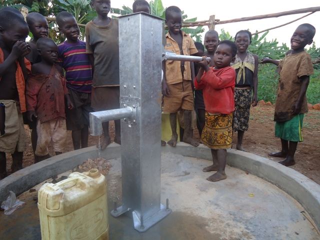 The Water Project : 22-uganda6070-water-flowing