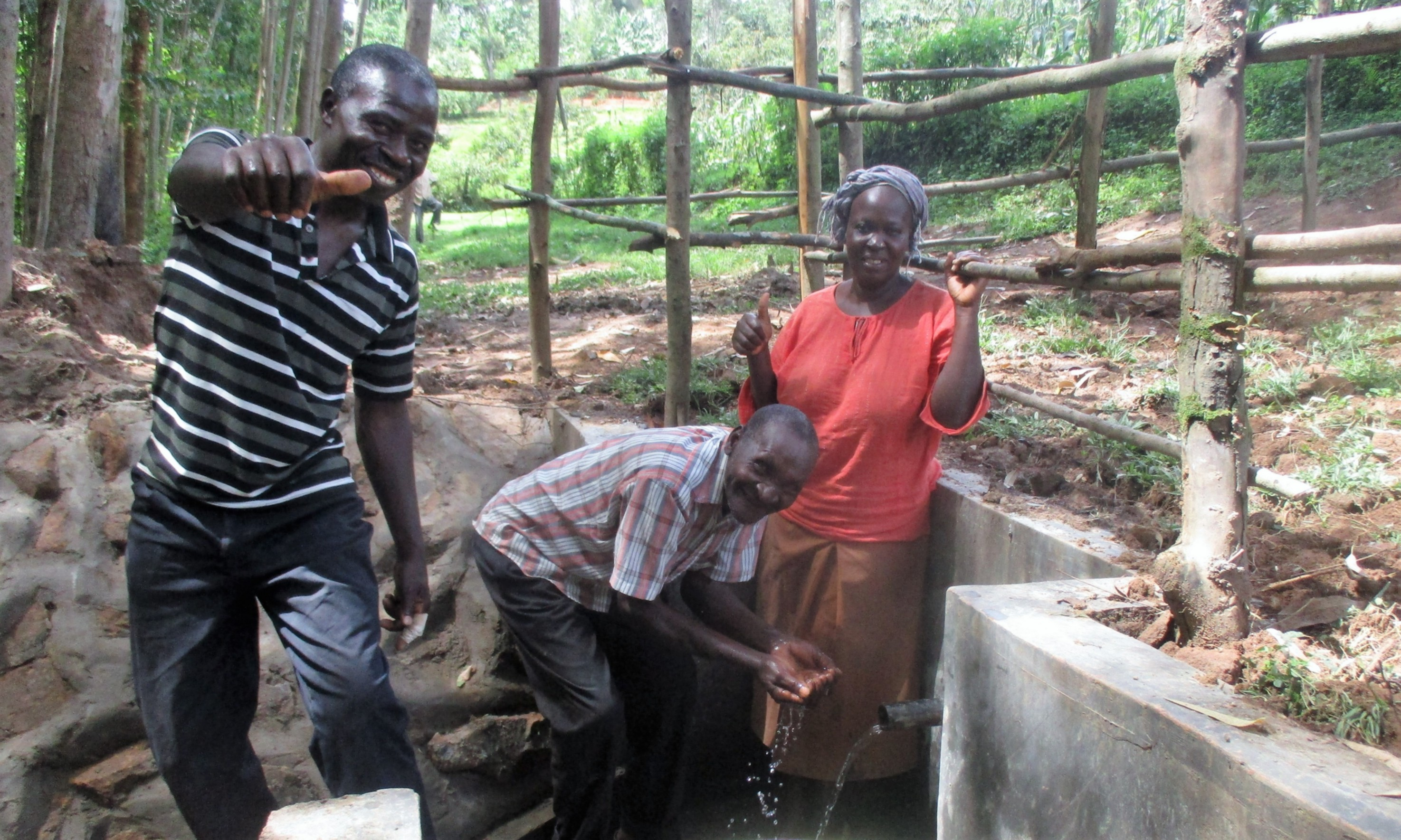 The Water Project : 24-kenya4587-protected-spring