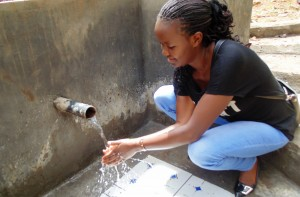 The Water Project : 25-kenya4586-protected-spring