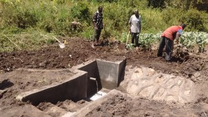The Water Project : 26-kenya4589-construction