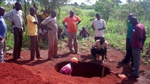 The Water Project : 3-uganda6075-excavation
