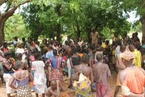 The Water Project : 4-burkinafaso9082-community-gathering