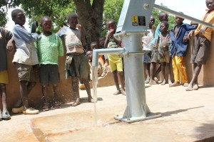 The Water Project : 4-burkinafaso9088-repaired-borehole