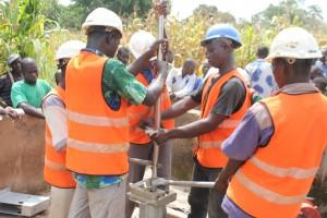 The Water Project : 4-burkinafaso9093-repairs