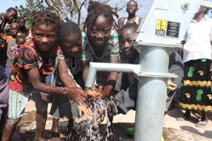 The Water Project : 5-burkinafaso9089-repaired-well