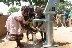 The Water Project : 6-burkinafaso9088-repaired-borehole
