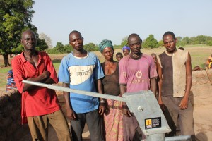 The Water Project : 7-burkinafaso9086-water-user-committee