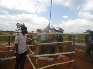 The Water Project : 7-uganda6075-installation