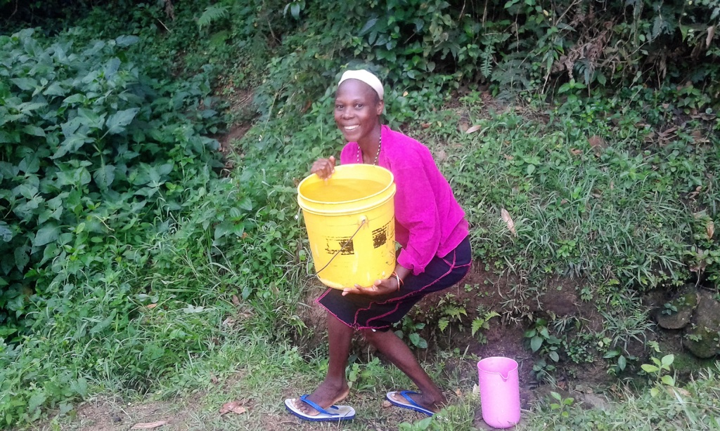 The Water Project : 1-kenya4593-fetching-water