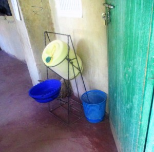 The Water Project : 15-kenya4641-hand-washing-station