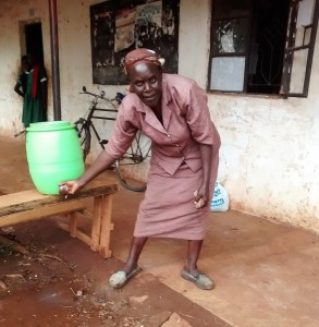 The Water Project : 17-kenya4666-hand-washing-station
