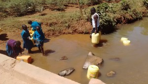 The Water Project : 6-kenya4637-nearby-spring
