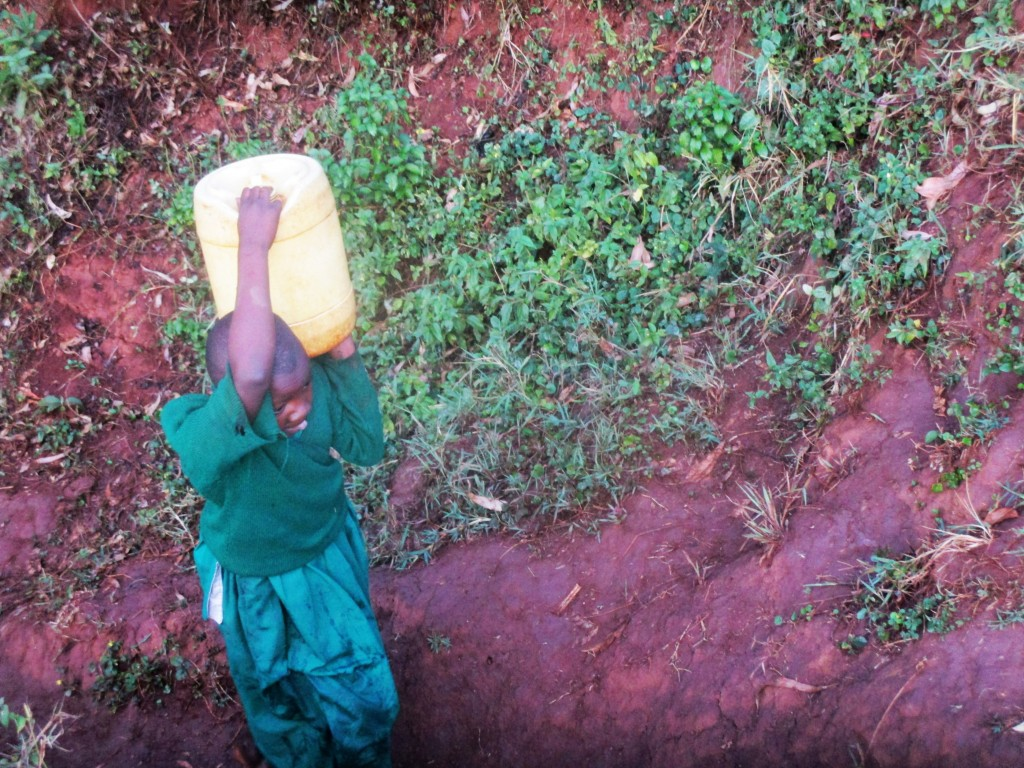 The Water Project : 6-kenya4668-fetching-water