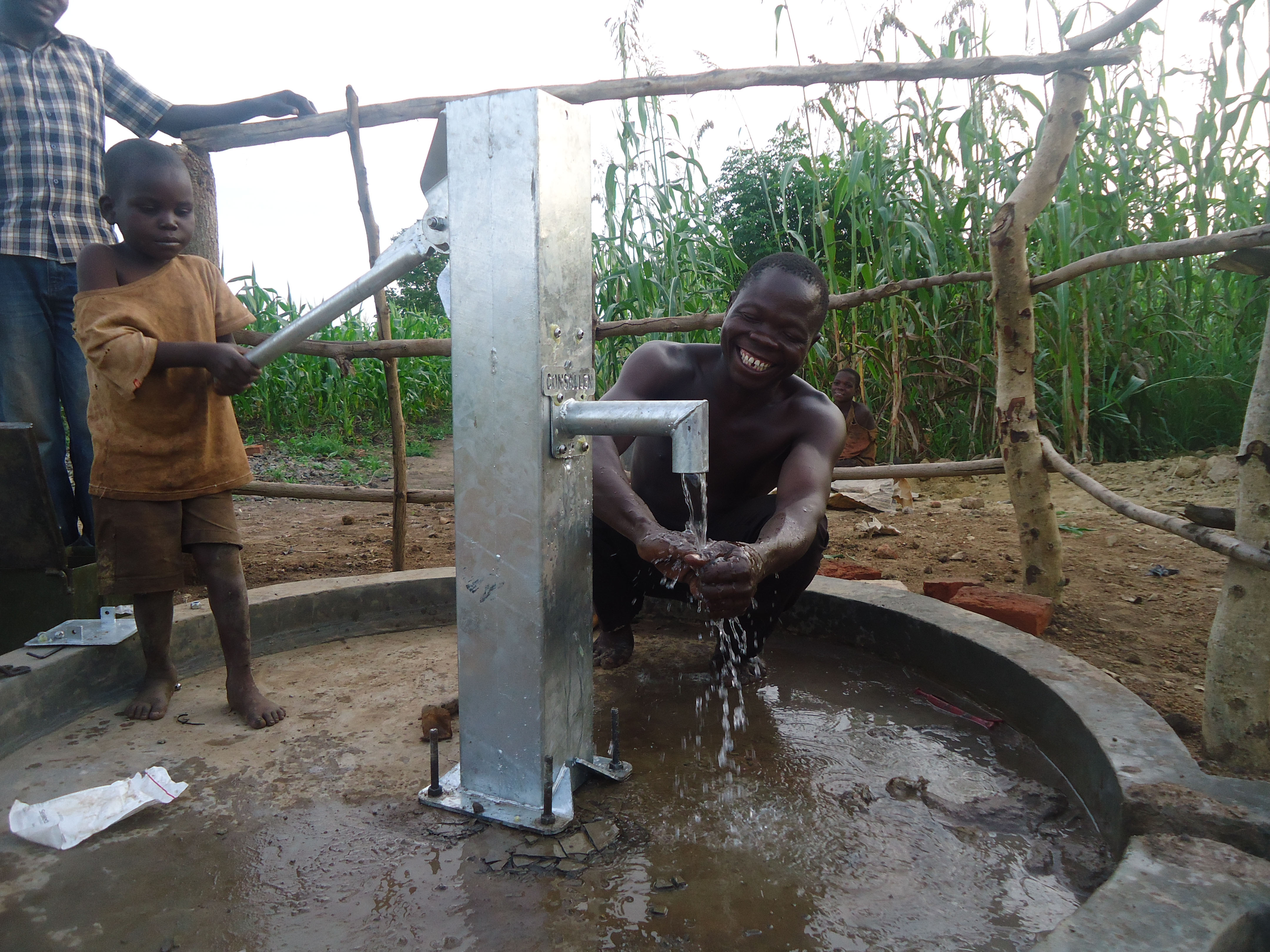 The Water Project : 11-uganda6077-clean-water