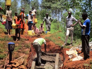 The Water Project : 15-kenya4592-construction