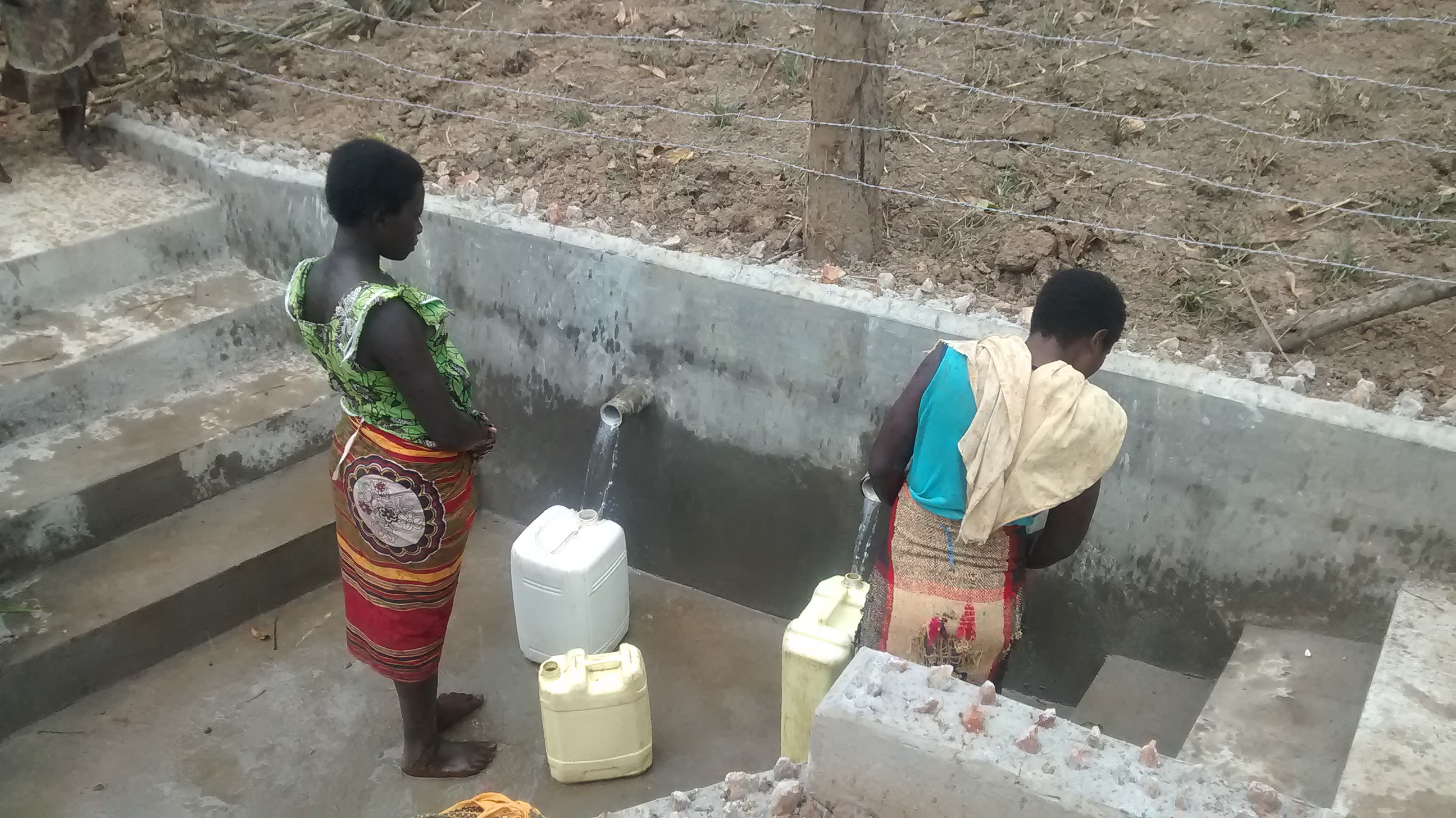 The Water Project : 15-uganda6076-clean-water